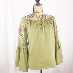 Altar'd State Boho top w embroidered detail NWT
